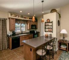 Beautiful Lake Havasu City Home silestone counters